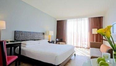Quarto deluxe king Hotel Krystal Grand Punta Cancún Cancún