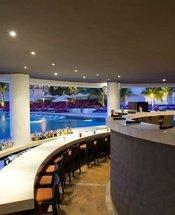 Bar da piscina Hotel Krystal Grand Punta Cancún Cancún