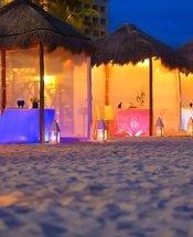 Jantar romântico na praia Hotel Krystal Grand Punta Cancún Cancún