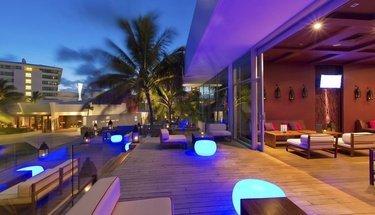 Terraço lounge Hotel Krystal Grand Punta Cancún Cancún