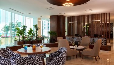Lounge de Altitude Hotel Krystal Grand Punta Cancún Cancún